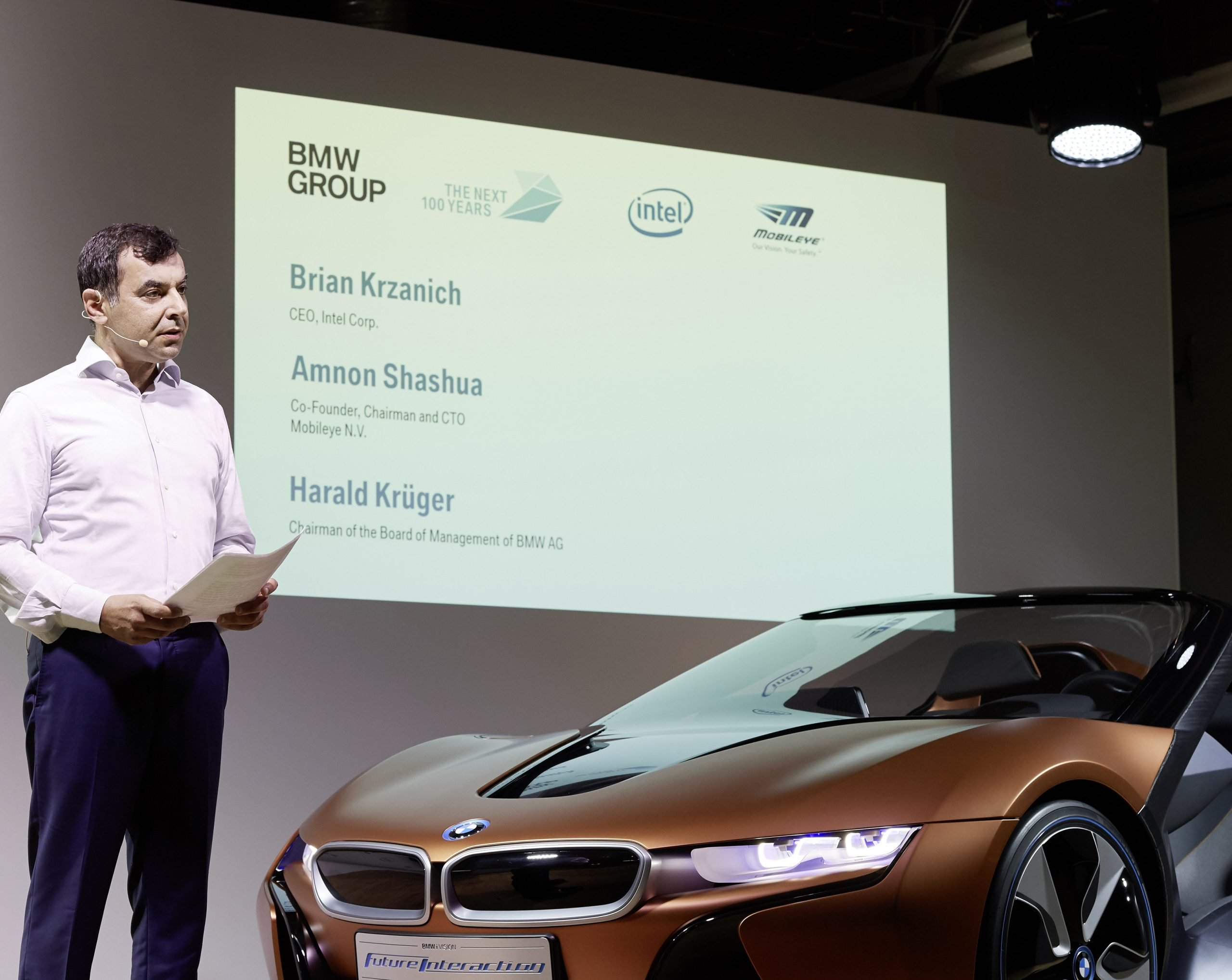 AMNON_SHASHUA_IN_MIBILEYE_BMW_AND_INTEL_PRES_CONFERENCE1