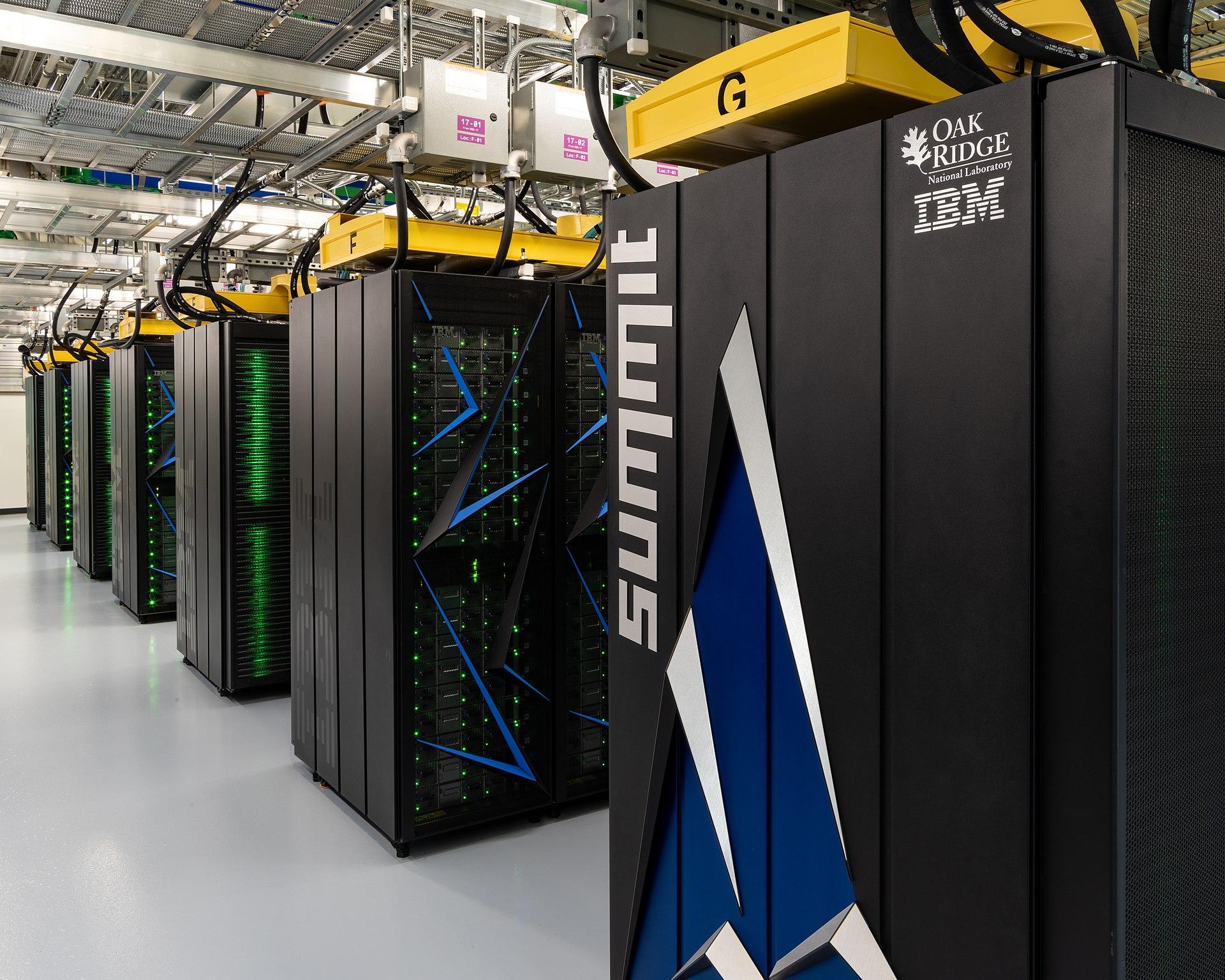 מחשב העל Summit. מתוך ויקיפדיה