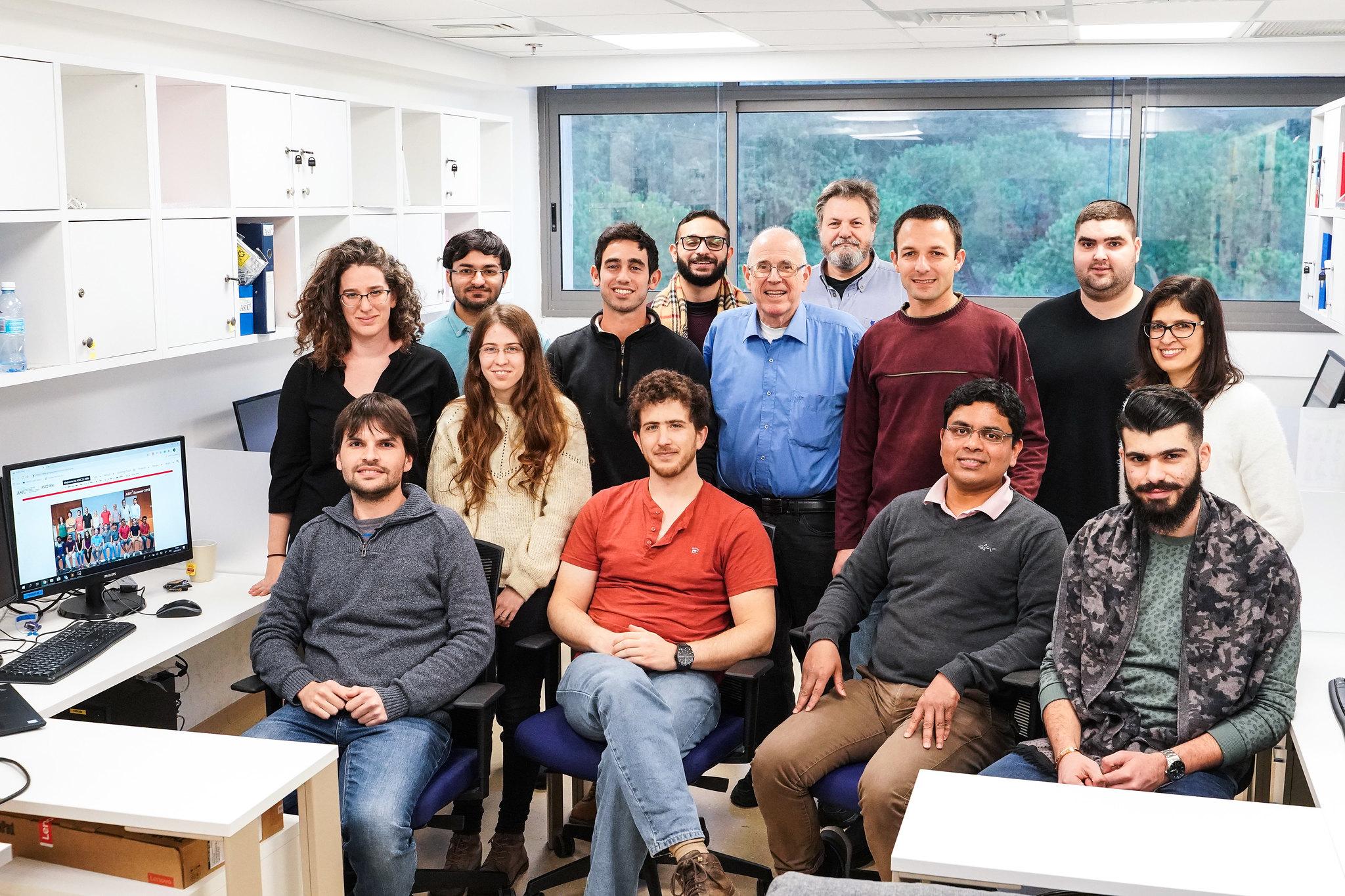 קבוצת המחקר של פרופ' שחר קוטינסקי. צילום: ניצן זוהר, דוברות הטכניון