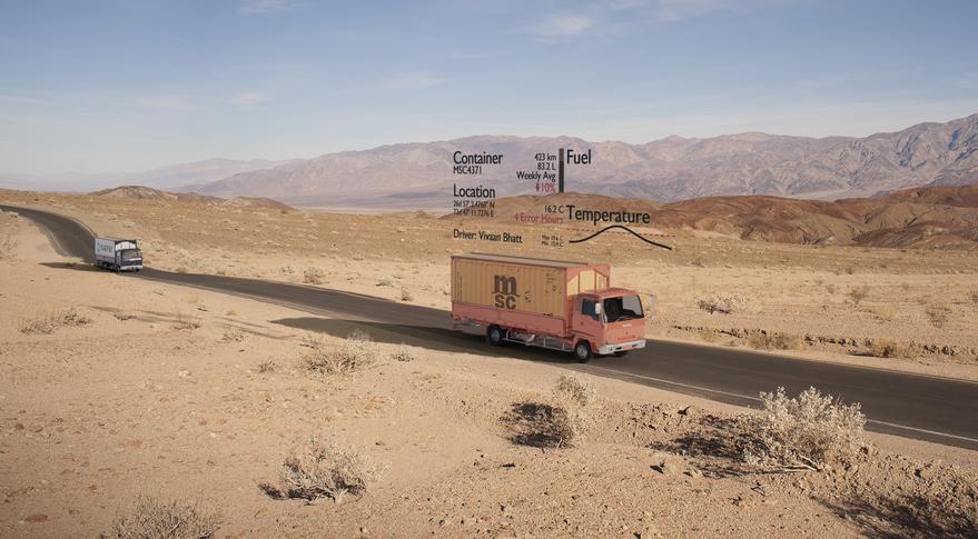 הדגמה של שימוש בשבבים הקולטים תקשורת סלולארית מלוויינים בניהול צי משאיות. איור: סקיילו